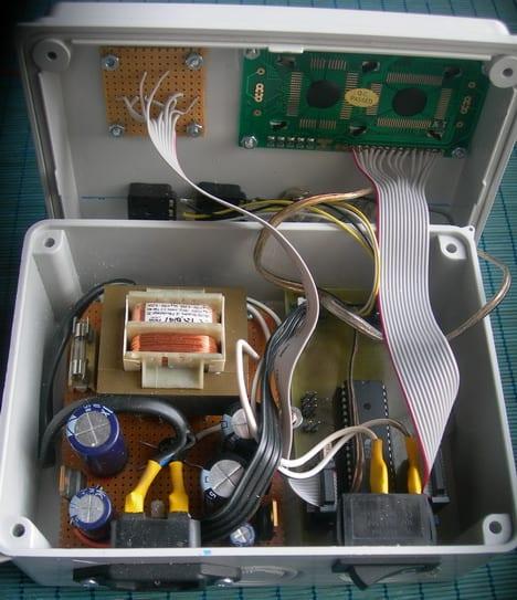 avr dds generator circuit inside enclosure