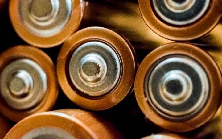 pile of aaa batteries
