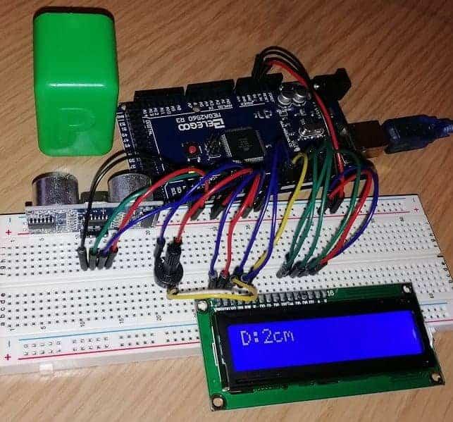 Arduino mega 2560 measures distance with ultrasonic sensor